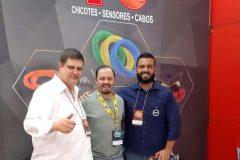 (Esq.) Marcelo Gato, gerente comercial da TC Chicotes e visitantes