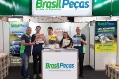 Visita do representante Nilton Melo ao estande do Brasil Peças.