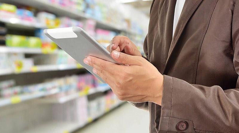 tablet-mao-mercado-pessoa