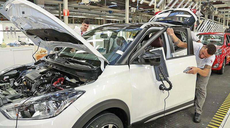 carros produzidos-Nissan Kicks-fábrica de motores-carros novos