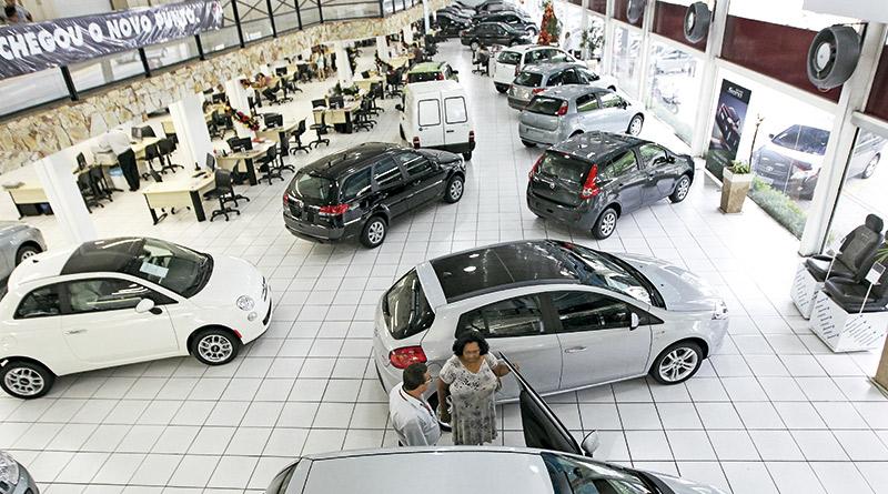 Venda a prazo de veículos-carros usados-emplacamento de carros novos