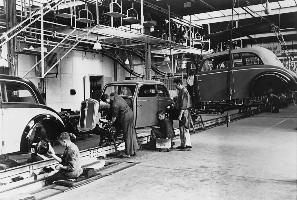 Evolução histórica-Toyota-linhas de montagens dos veículos