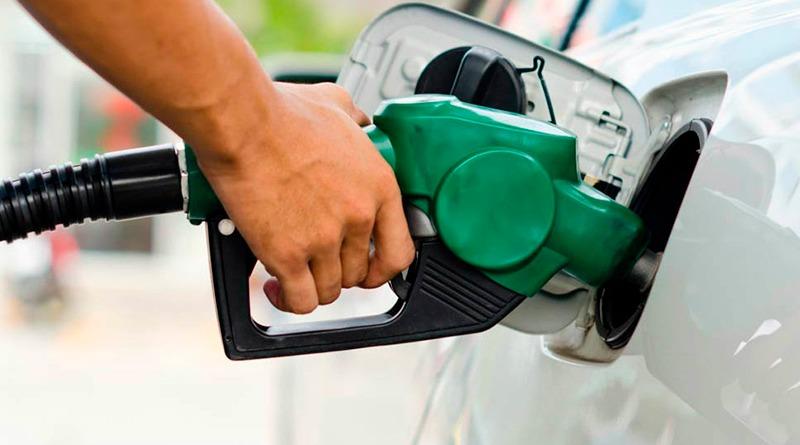 Gasolina acumula alta